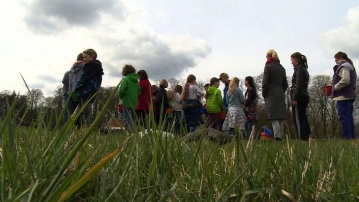 Leerlingen leren over wat er nodig is voor het maken van een pannenkoek in de Pannenkoeken Fabriek in Enschede samen met Groene Kennispoort Twente